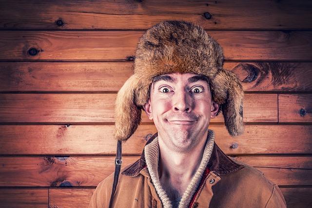 chlapík v čepici